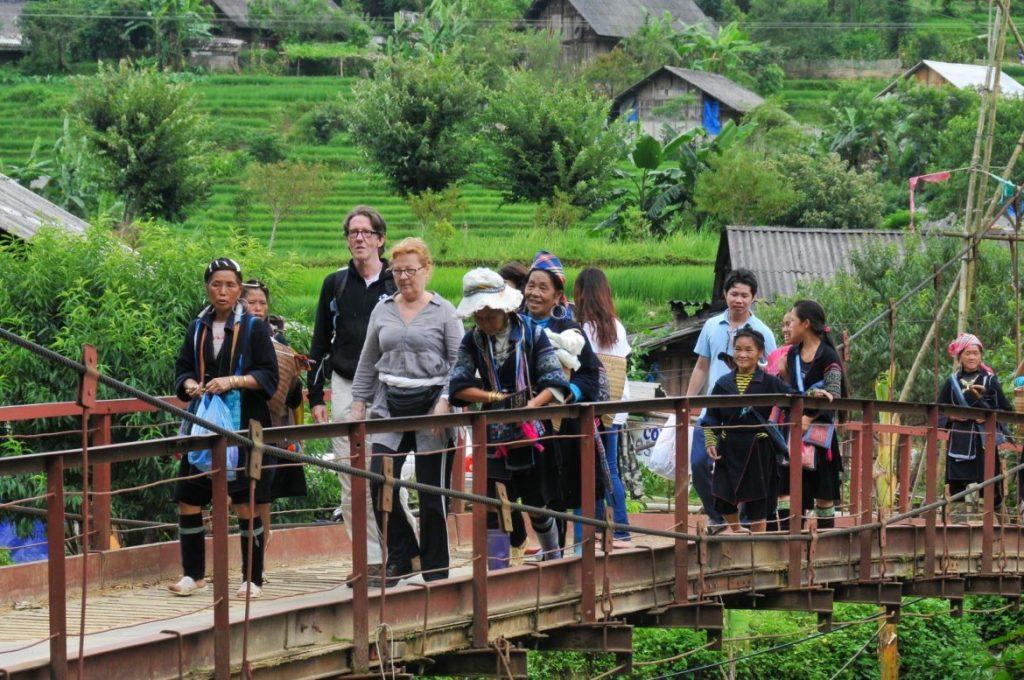 experiencia de viaje con lugareños étnicos en Vietnam