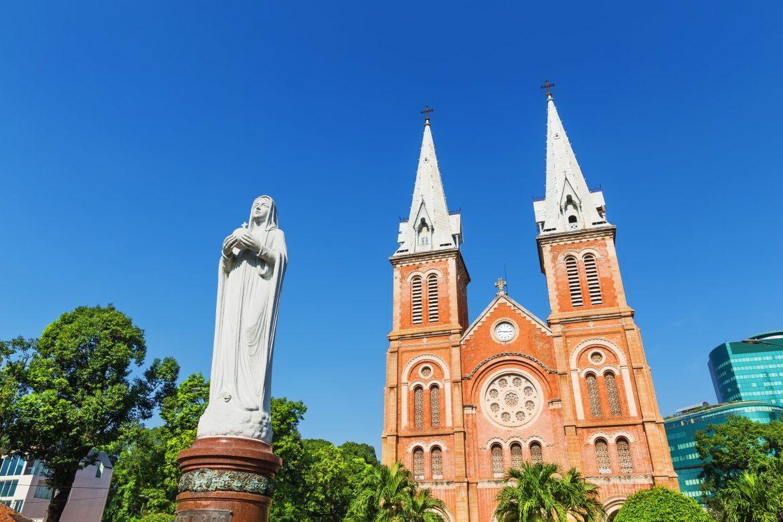 La Basílica de Notre-Dame de Saigon vietnam