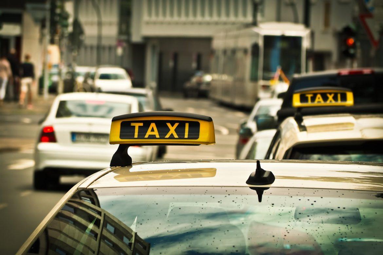 taxi - hanoi, vietnam