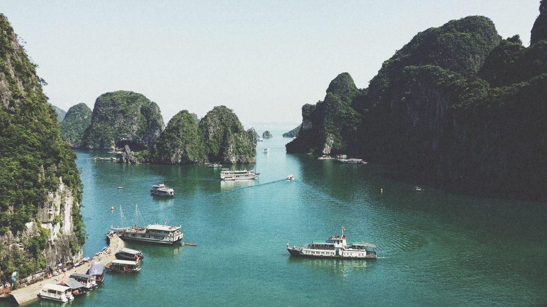 Bahía de Ha Long - mejor epoca para viajar a vietnam