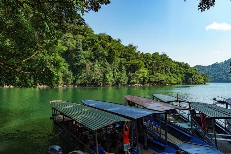El lago de Ba Be - senderismo en Vietnam y Camboya
