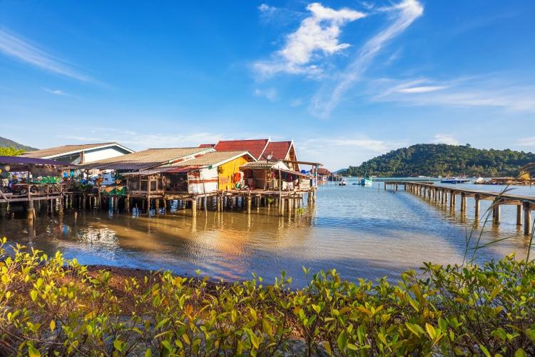Viaje de aventura en Vietnam y Camboya- tonle sap
