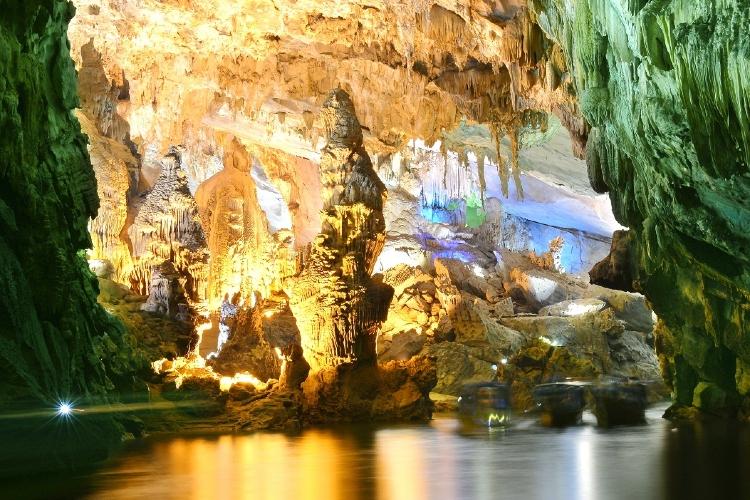Son Doong - La cueva más grande del mundo